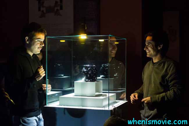 Gael García Bernal and Leonardo Ortizgris in Museo